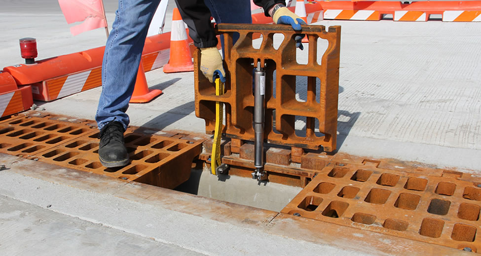 hinged_trench_ej_innovative_access_solution_open_safety
