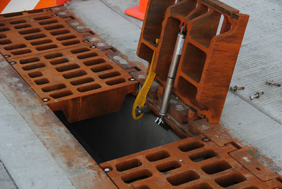 hinged_trench_open_ej_innovative_access_solution